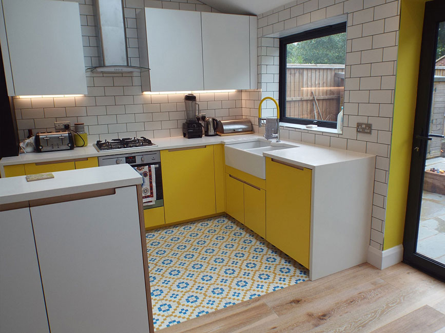 Walthamstow kitchen by Bespokea